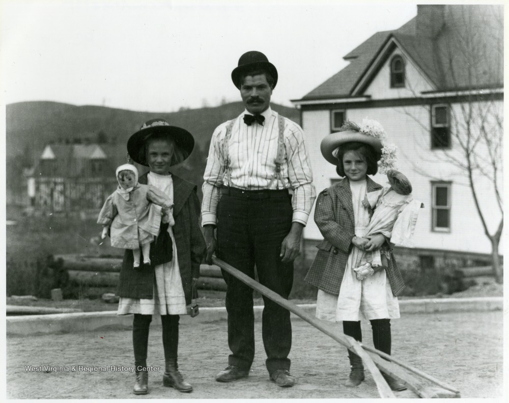 Thoney pietro and his daughters